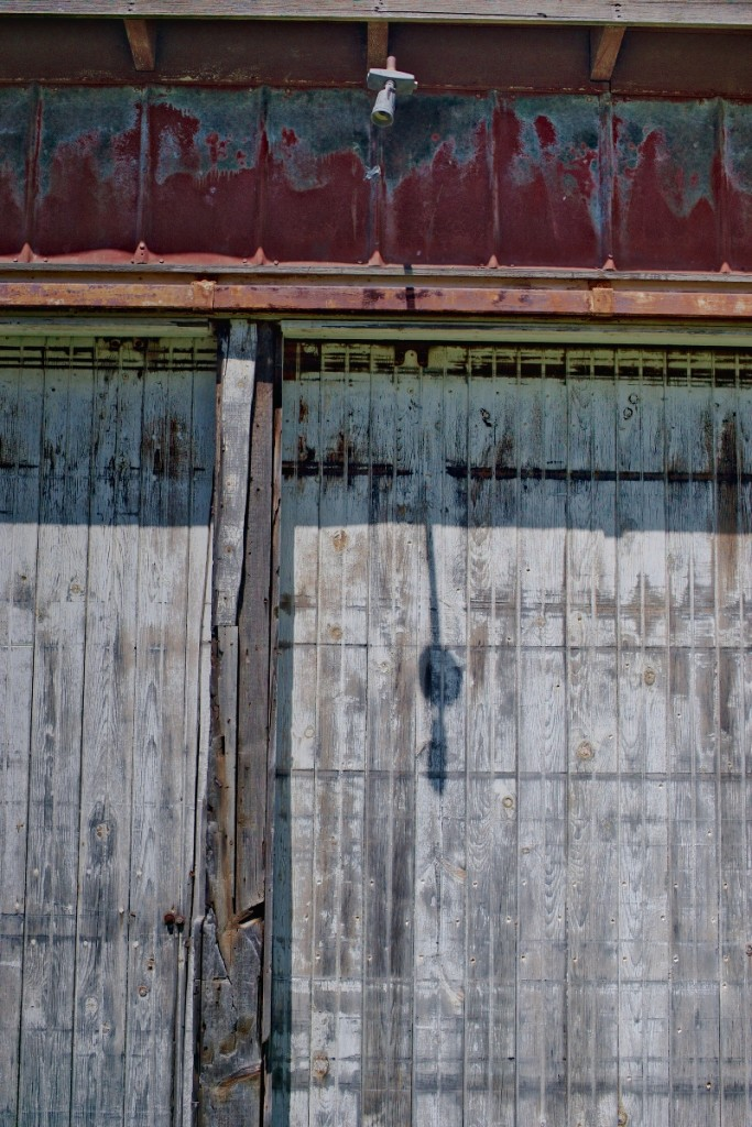 A Tamron SP 45mm Prime lens was used to capture this old door – © John Neel